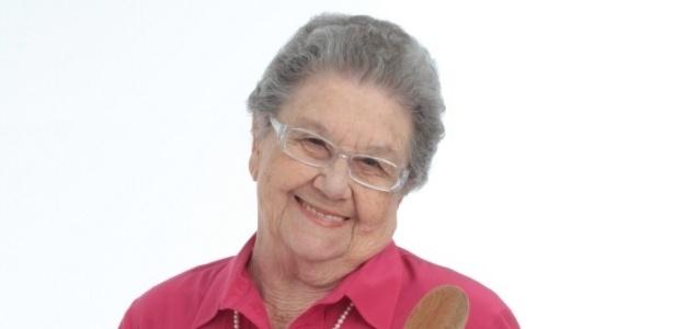 """Palmira Onofre, 81 anos, culinarista e apresentadora do """"Programa da Palmirinha"""" no canal Bem Simples"""