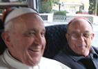 Cardeais achavam que Bergoglio não aceitaria cargo, diz Damasceno (Foto: Divulgação/Frederido de Oliveira e monsenhor Antônio Luiz)