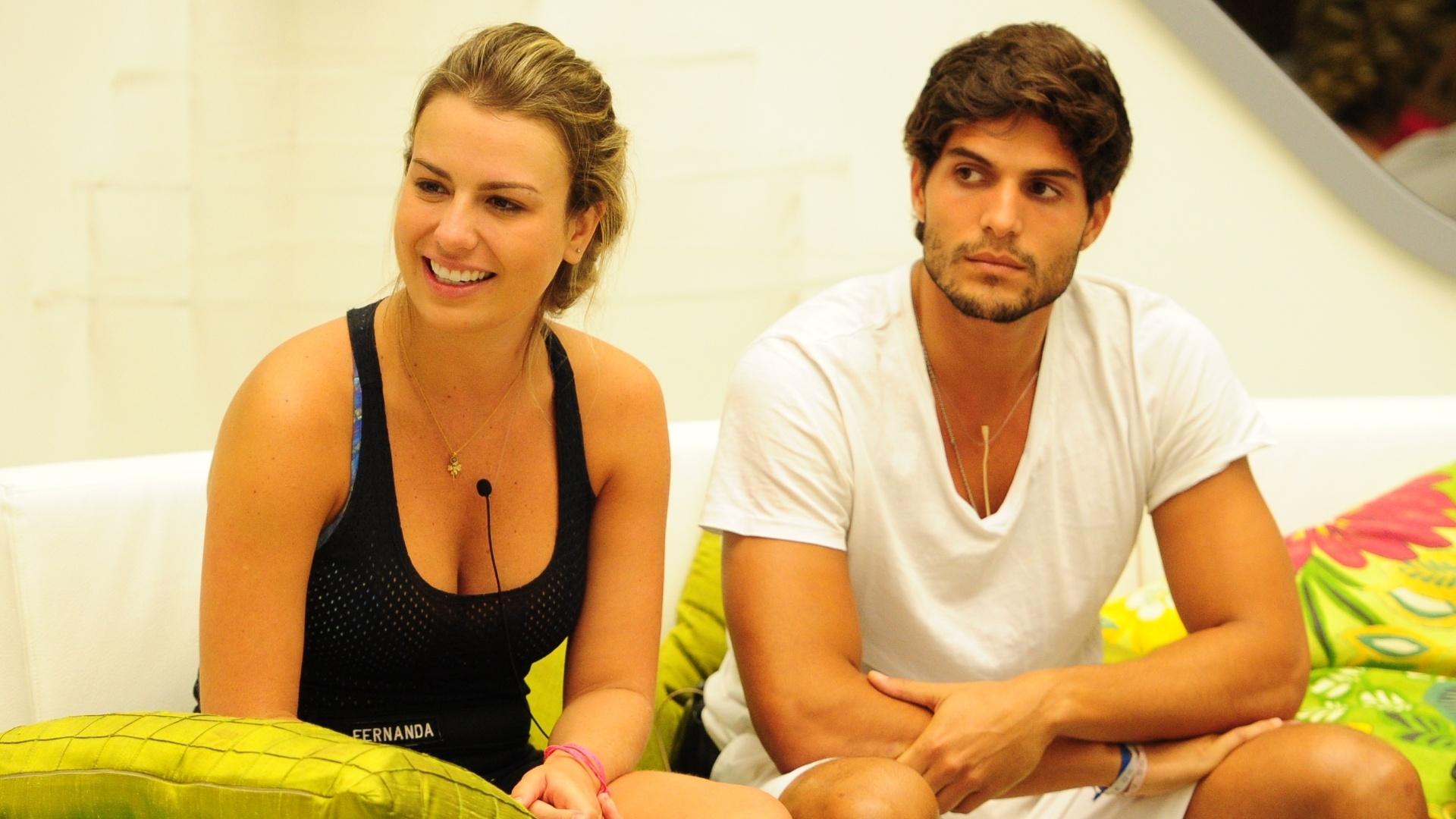 14.mar.2013 - Fernanda e André aguardam o início da prova do líder desta quinta-feira