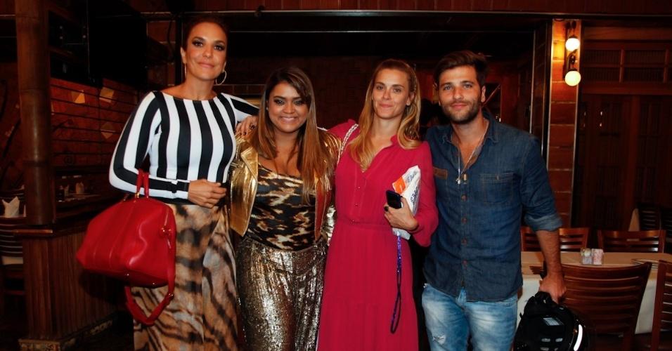 14.mar.2013 - Ivete Sangalo, Preta Gil, Carolina Dieckmann e Bruno Gagliasso vão jantar em restaurante no Rio de Janeiro