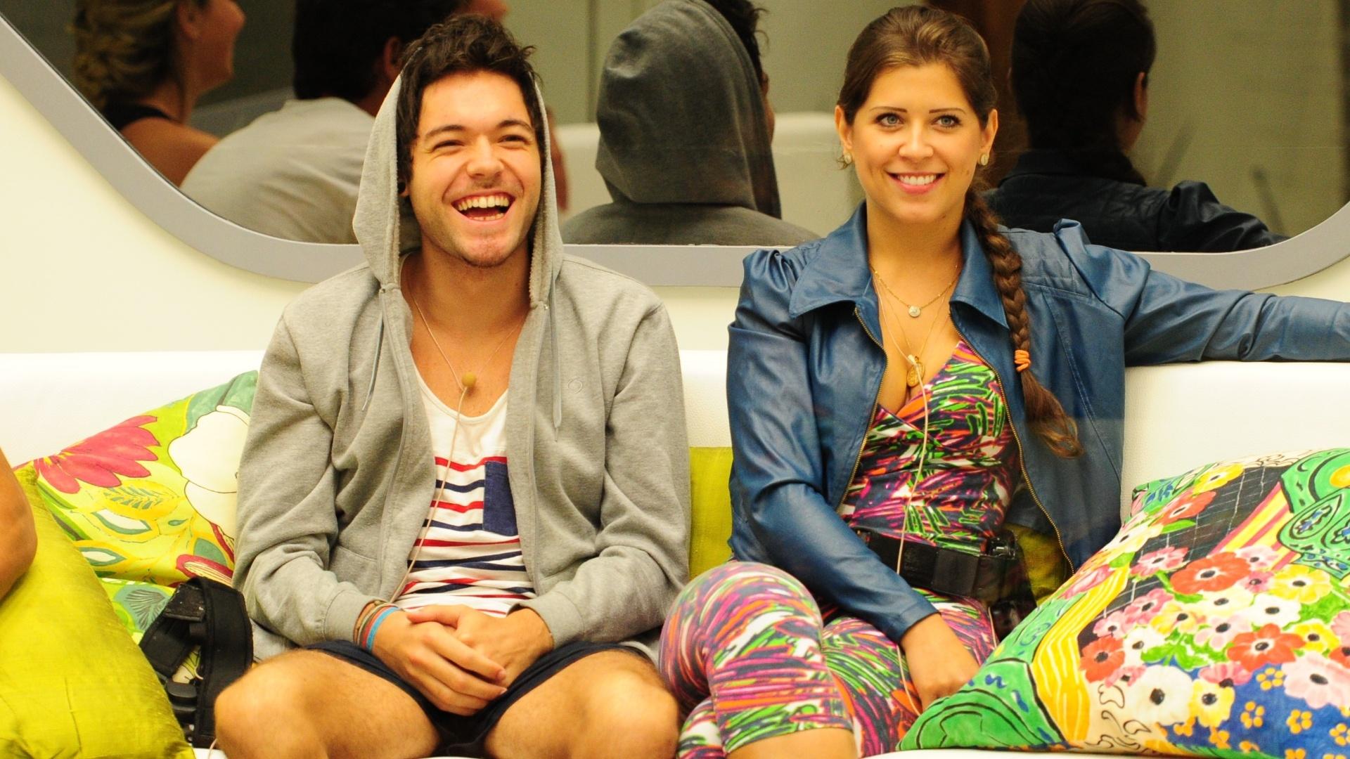 14.mar.2013 - Nasser e Andressa aguardam o início da prova do líder desta quinta-feira