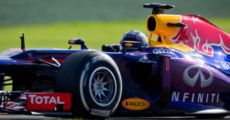 15.mar.2013 - Sebastian Vettel dominou os treinos livres nesta sexta-feira em Albert Park