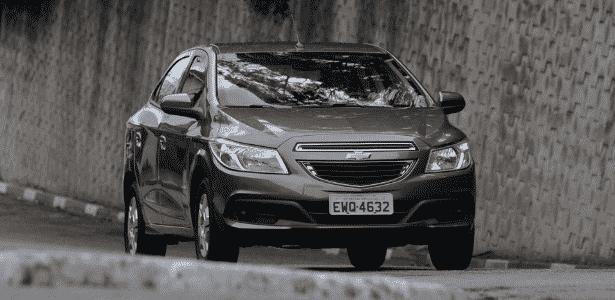 Chevrolet Prisma (foto) e Onix são construídos sobre a mesma base, em Gravataí (RS) - Murilo Góes/UOL