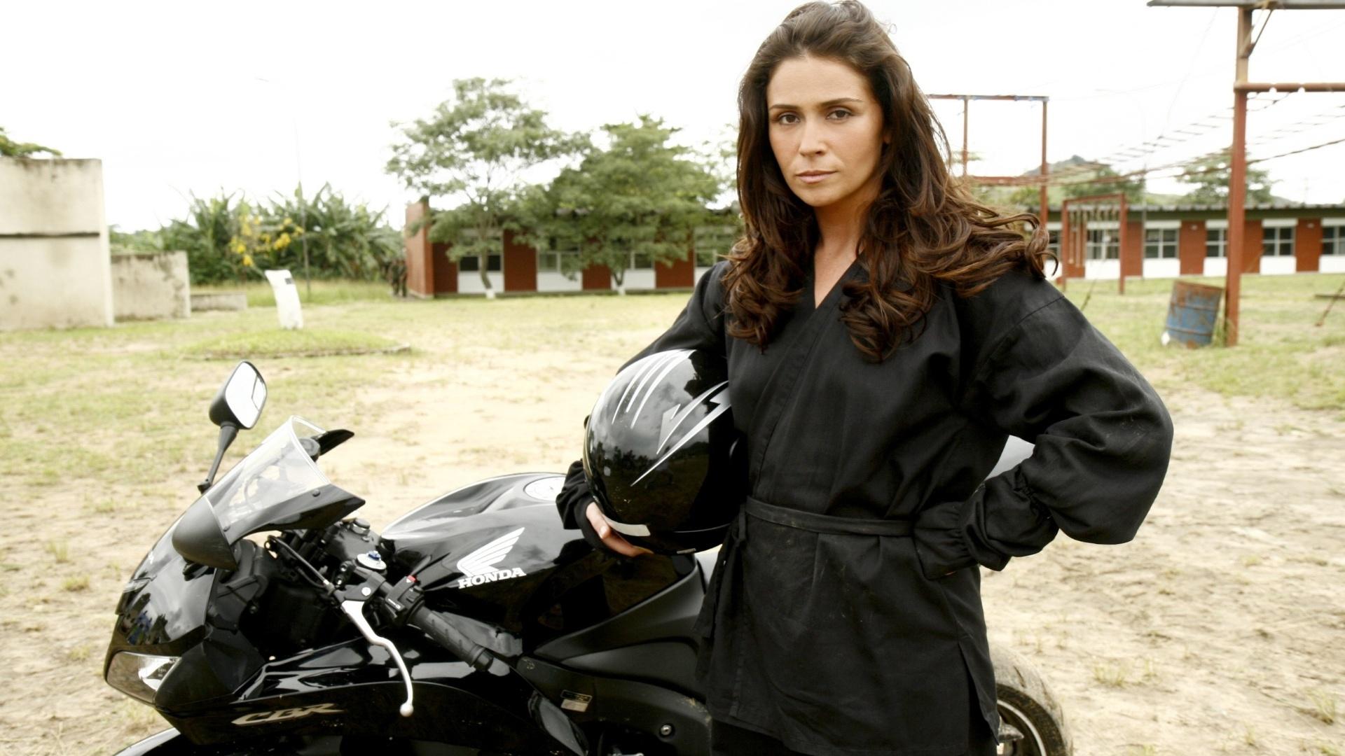 Giovanna como Alma, personagem que viveu na novela