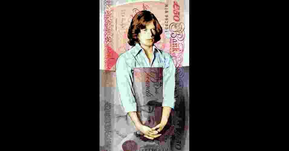 O trabalho fotográfico do ex-baixista dos Rolling Stones Bill Wyman acaba de ganhar uma nova roupagem artística, em uma exposição em uma galeria londrina. É o caso desta foto de Mick Jagger, modificada com uma nota da libra esterlina. - James Mylne, Rook & Raven and Bill Wyman Archive - Bill Wyman/Ripple Productions Ltd