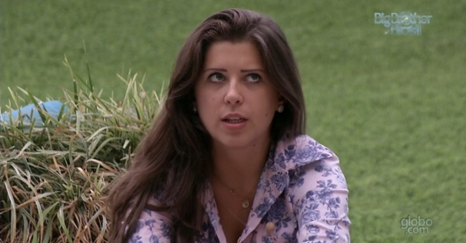 16.mar.2013 - Andressa conversa com Natália e revela que também pretende ter filhos aos 30 anos