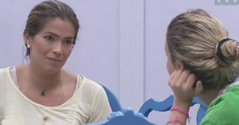 16.mar.2013 - Fani diz a Fernanda que achava o jogo dela
