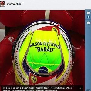 16.mar.2013 - Felipe Massa divulga foto de capacete com homenagem a Wilson
