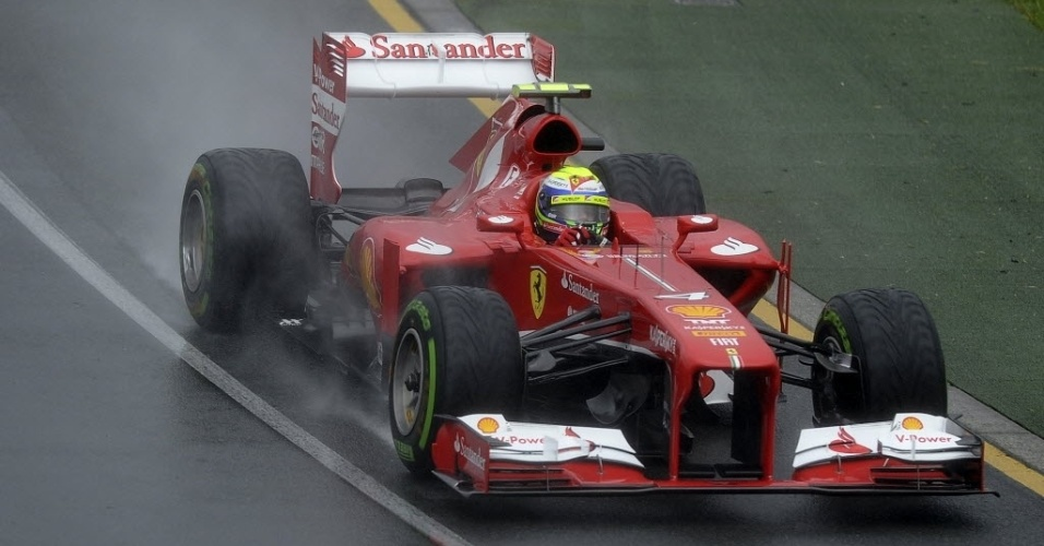 16.mar.2013 - Felipe Massa faz o quarto melhor tempo e larga na frente do espanhol Fernando Alonso, seu companheiro de Ferrari, no Grande Prêmio da Austrália
