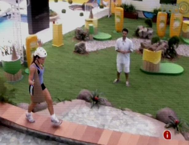 16.mar.2013 - Natália vence desafio de agilidade e fatura R$ 20 mil e um ano grátis de cosméticos