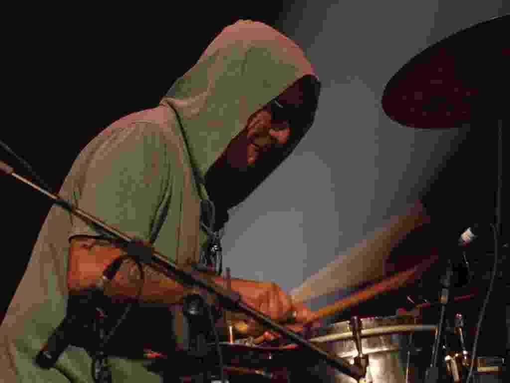 16.mar.2013 - A banda se apresentou durante duas horas de show - Taiz Dering/Divulgação