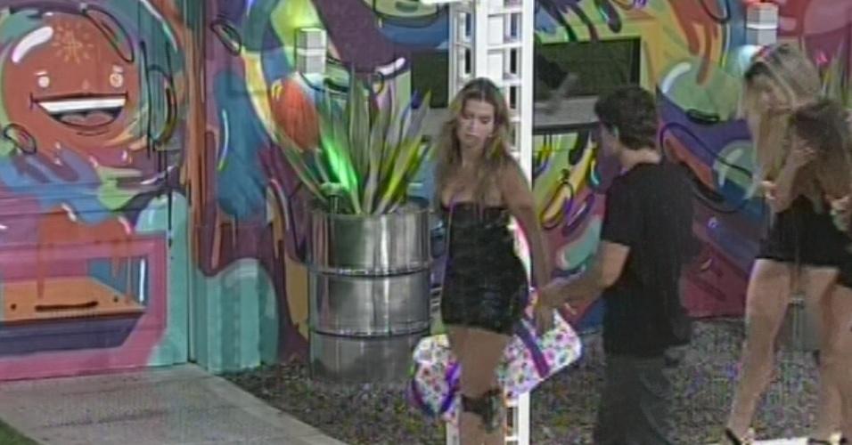 "17.mar.2013 - Fani deixa a casa do ""BBB13"" com 68% dos votos"