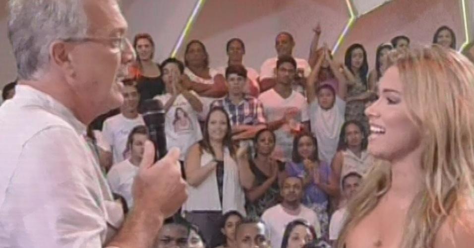 17.mar.2013 - Fani diz a Pedro Bial que não sabe onde errou no programa