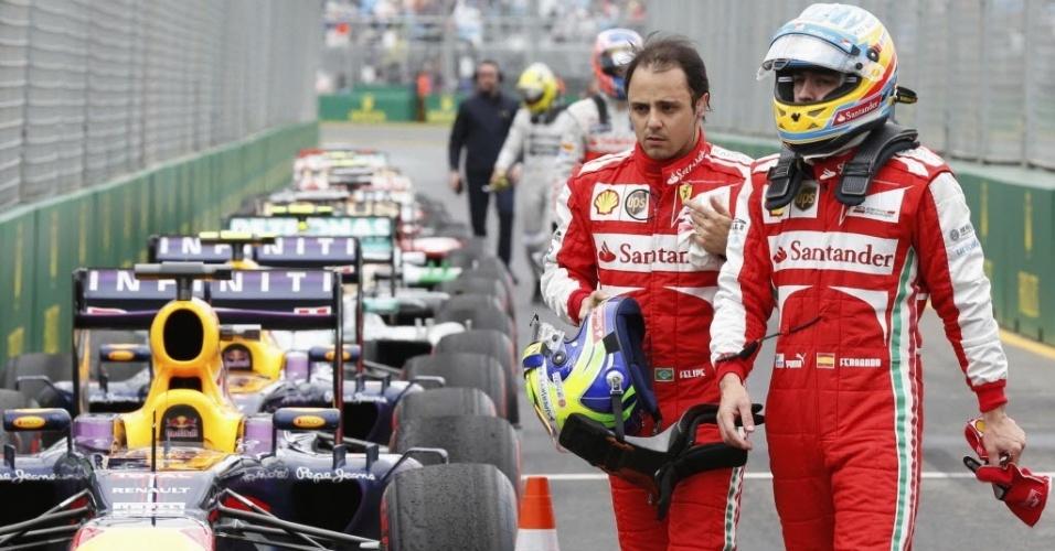 Felipe Massa e Fernando Alonso saem juntos após o treino de classificação para o GP da Austrália