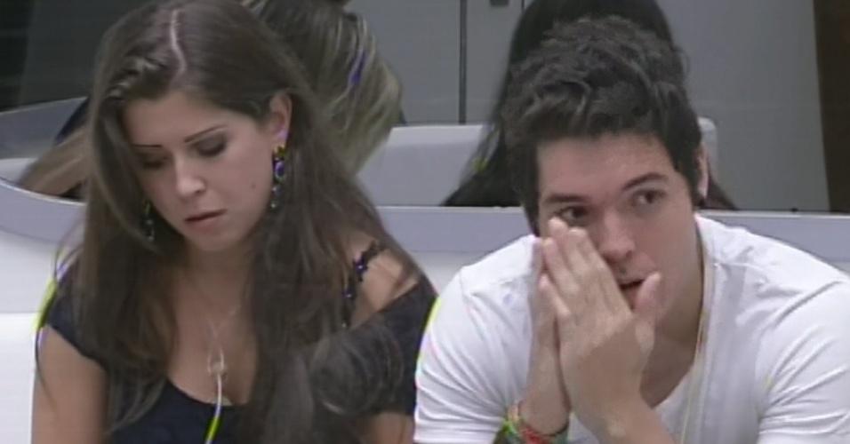 17.mar.2013 - Com Fernanda e Natália empatadas, Nasser escolhe a mineira para a berlinda.