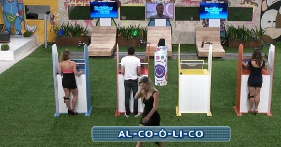 """17.mar.2013 - Fernanda erra a separação de sílabas da palavra """"alcoólico"""" e deixa a prova"""