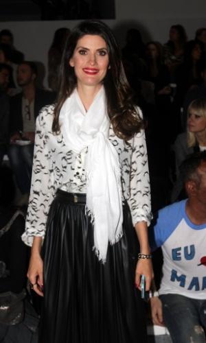 18.mar.2013 - Isabella Fiorentino prestigiou o primeiro dia da São Paulo Fashion Week Verão 2014 que acontece na Bienal, em São Paulo