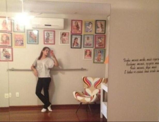 18.mar.2013 - Nívea Stelmann mostra a sala de balé de sua casa