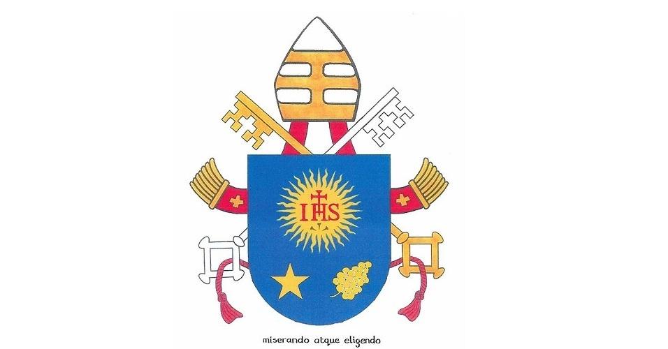 18.mar.2013 - O brasão do papa Francisco, divulgado nesta segunda-feira (18) pelo Vaticano. O escudo azul inclui a mensagem