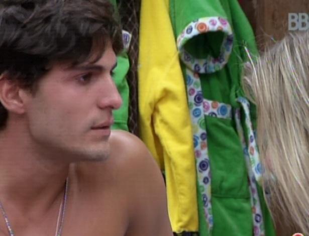 André cobra Andressa por voto em Fernanda
