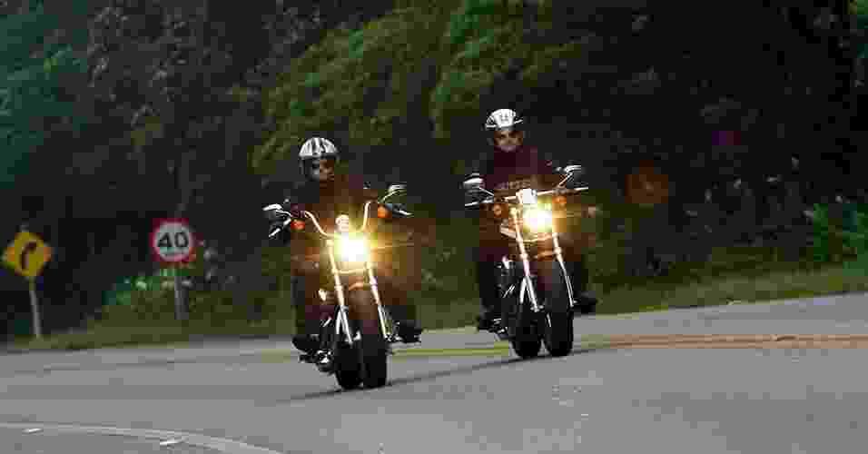 Harley-Davidson 1200 Custom CA e CB - Mario Villaescusa/Infomoto