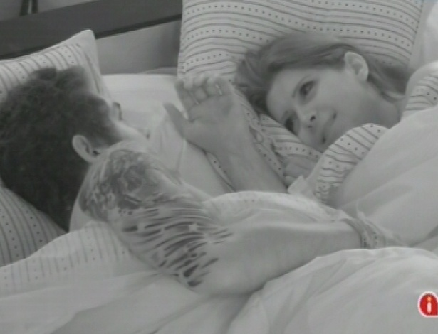 Nasser e Andressa comemoram posto entre os finalistas do reality show