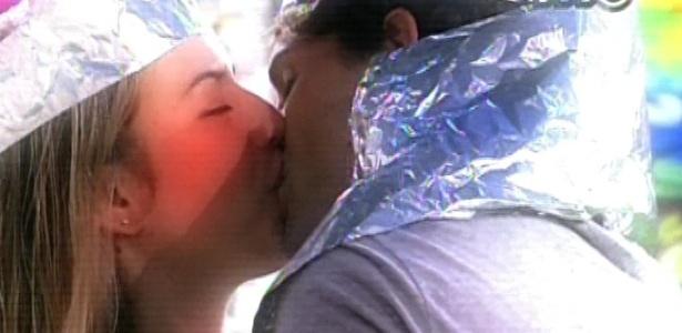 19.mar.2013 - Edição relembra os melhores momentos de Fernanda e André no