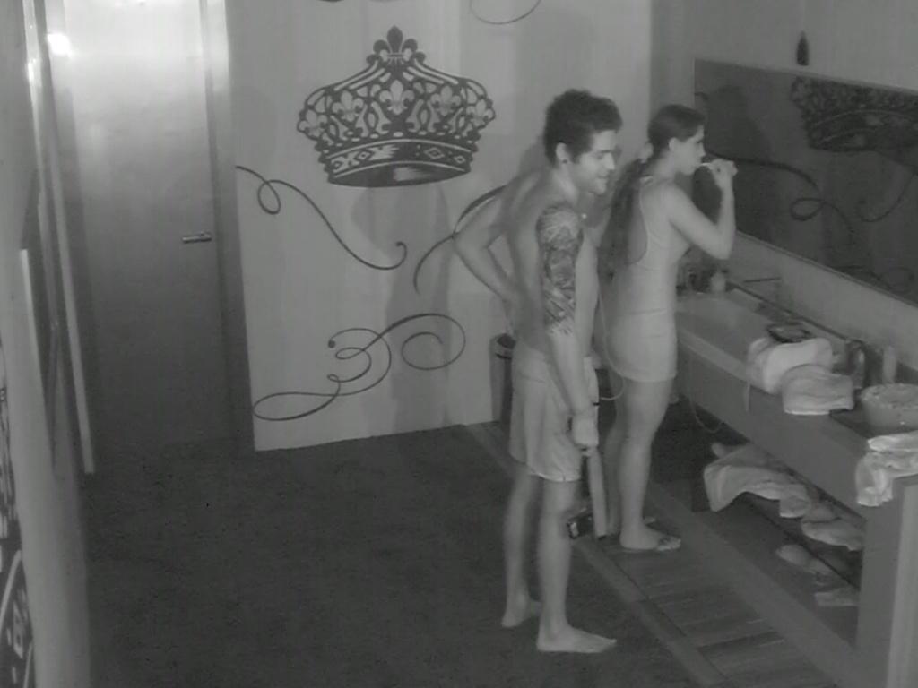 18.mar.2013 - Nasser e Andressa comentam formação do paredão com André e Fernanda