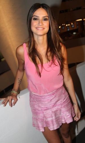 19.mar.2013 - A atriz Thaila Ayala gravou comercial para uma marca de calçados no prédio da Bienal durante passagem pela São Paulo Fashion Week