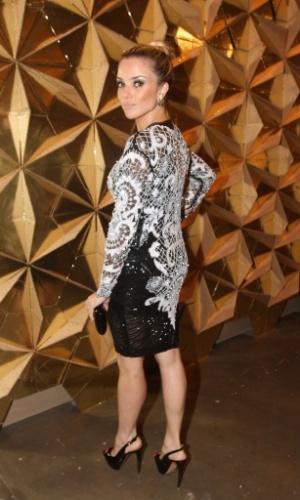 19.mar.2013 - Natália Rodrigues prestigiou o segundo dia de desfiles da São Paulo Fashion Week Verão 2014 que acontece na Bienal, em São Paulo