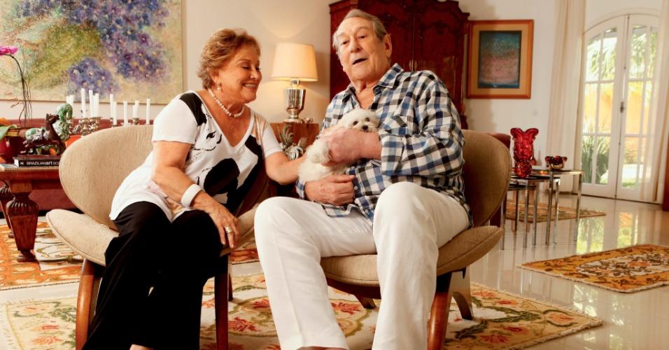 """19.mar.2013 - Nicette Bruno e Paulo Goulart em entrevista à revista """"Contigo!"""""""