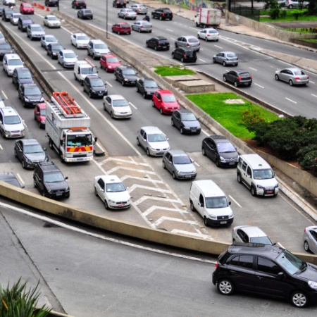 19.mar.2013 - Trânsito na entrada do túnel Anhangabaú, na região central de São Paulo (SP) - Fabio Martins/Futura Press/Estadão Conteúdo