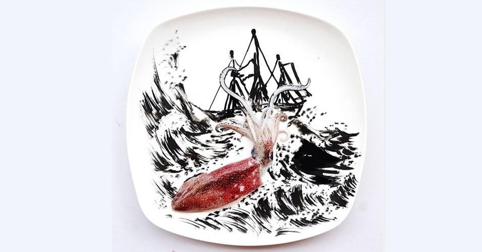 19.mar.2013 - Você já viu um ataque de lula gigante com uma lula pequena? A artista malasiana Hong Yi, ou simplesmente Red, usou uma lula e a tinta que ela solta para encenar o ataque de uma lula gigante neste prato. A obra faz parte do projeto
