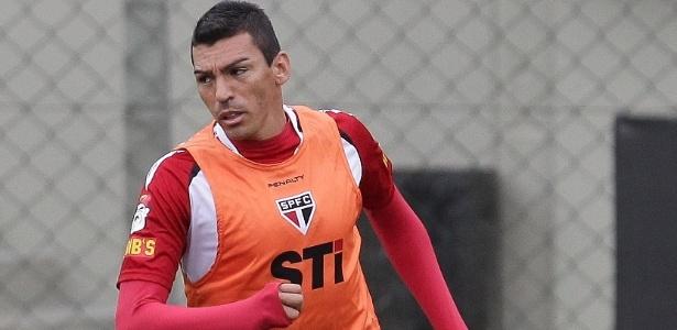 Lúcio foi afastado após desentendimento com Paulo Autuori: contrato até fim de 2014