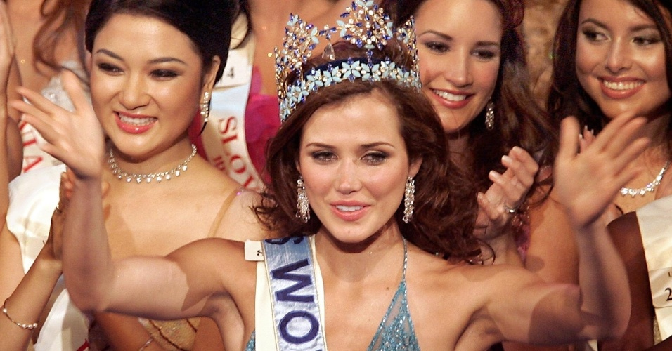 A peruana Maria Julia Mantilla venceu o Miss Mundo 2004, realizado em Londres, no Reino Unido
