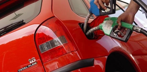 Volkswagen Gol equipado com motor 1.6 Total Flex foi o pioneiro do sistema bicombustível no Brasil
