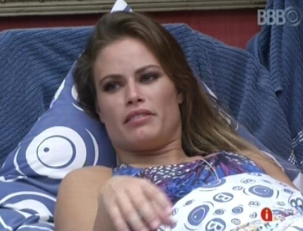19.mar.2013 - Natália e Andressa tentam desvendar pistas no discurso de Bial
