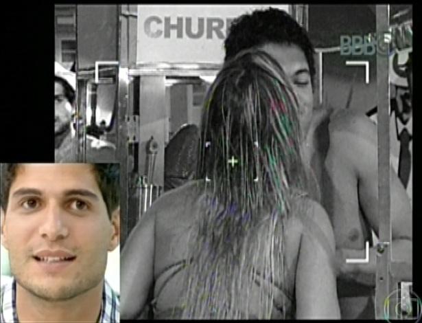 20.mar.2013 - A apresentadora Ana Maria Braga recebe André no programa Mais Você