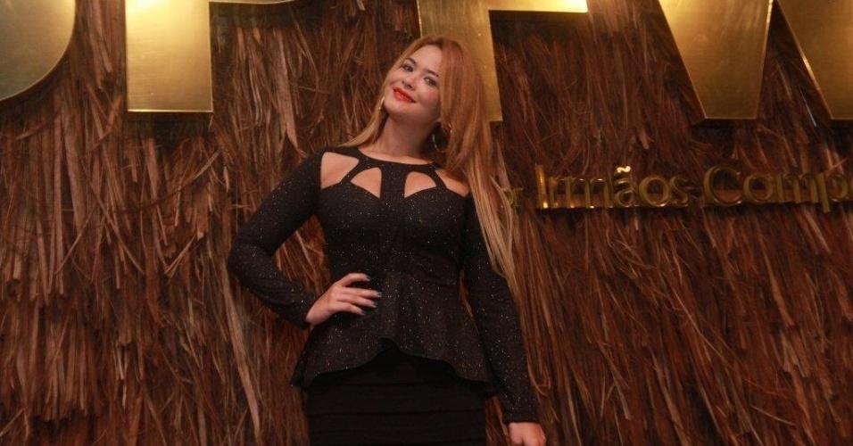 20.mar.2013 - Geisy Arruda prestigiou o terceiro dia de desfiles da São Paulo Fashion Week Verão 2014 que acontece na Bienal, em São Paulo