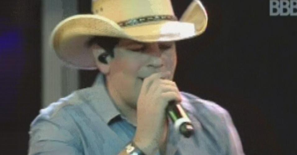"""20.mar.2013 - Sorocaba canta """"É Tenso"""", música com que ele e Fernando abriram a apresentação na festa Crazu"""