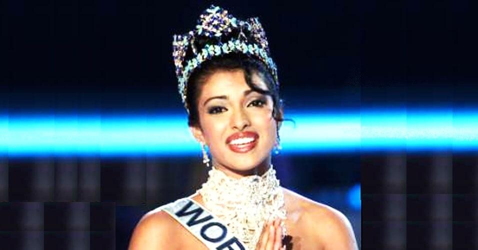 A indiana Priyanka Mini Chopra venceu o Miss Mundo 2000, realizado nas ilhas Maldivas e em Londres