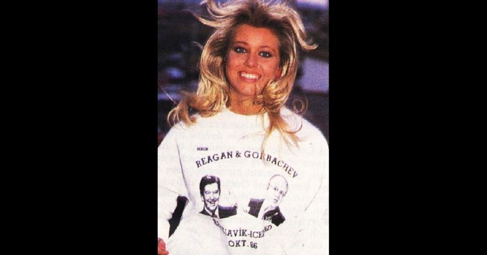 A islandesa Holmfridur Karlsdóttir venceu o Miss Mundo 1985, realizado em Londres, no Reino Unido