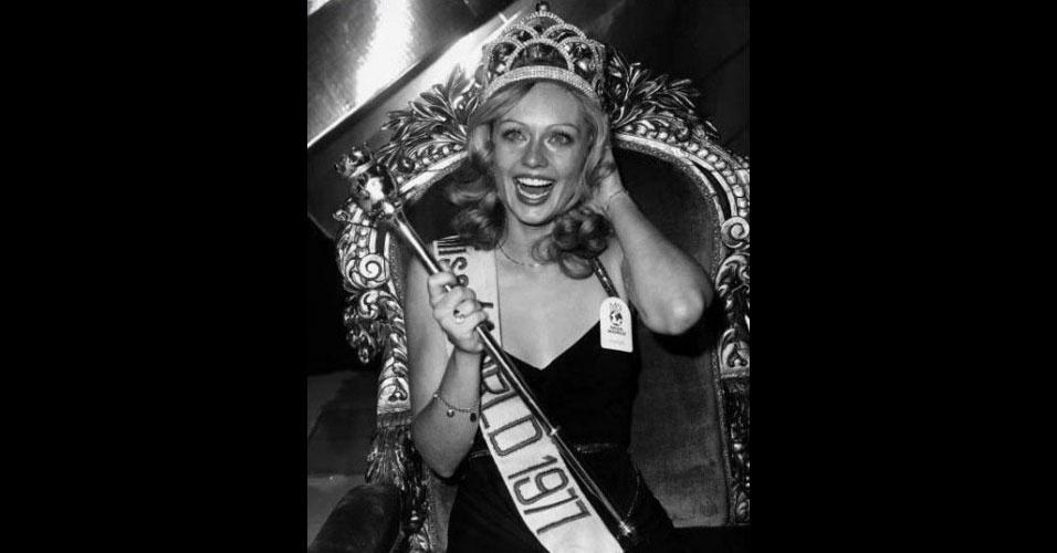 A sueca Mary Ann-Catrin Stavin venceu o Miss Mundo 1977, realizado em Londres, no Reino Unido
