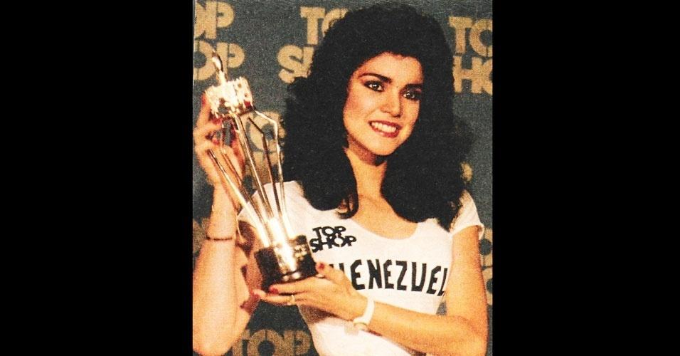 A venezuelana Astrid Carolina Herrera Irrazábal venceu o Miss Mundo 1984, realizado em Londres, no Reino Unido