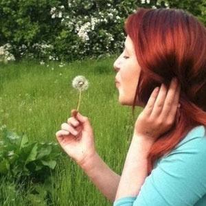 Kayleigh Lawrie, 14, em foto postada na página de tributo que seus amigos mantêm no Facebook