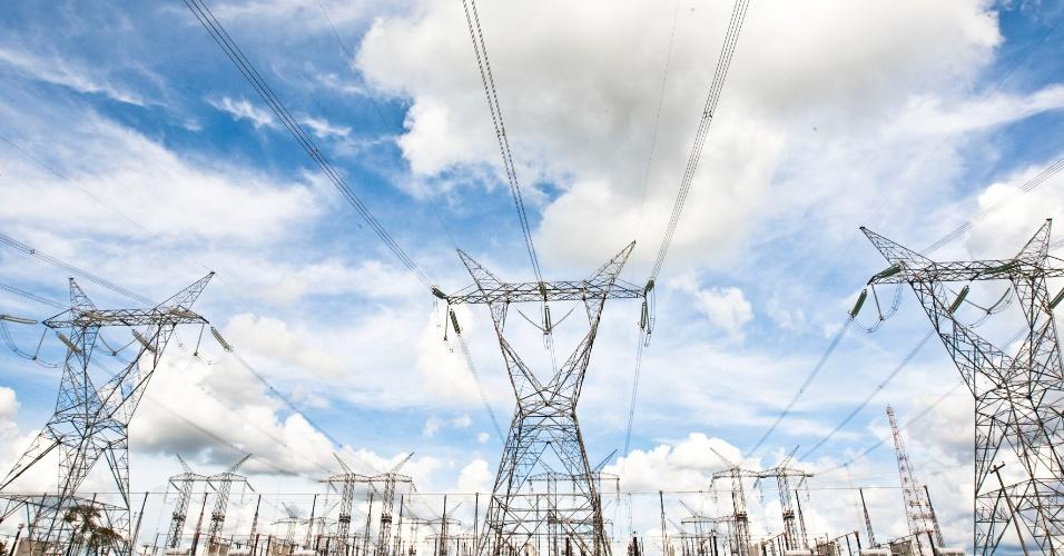 Torres de transmissão de energia elétrica em Itaberá (SP)