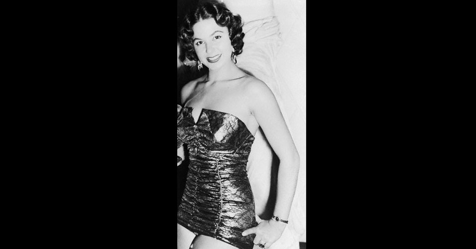 A egípcia Antigone Costanda venceu o Miss Mundo 1954, realizado em Londres, no Reino Unido