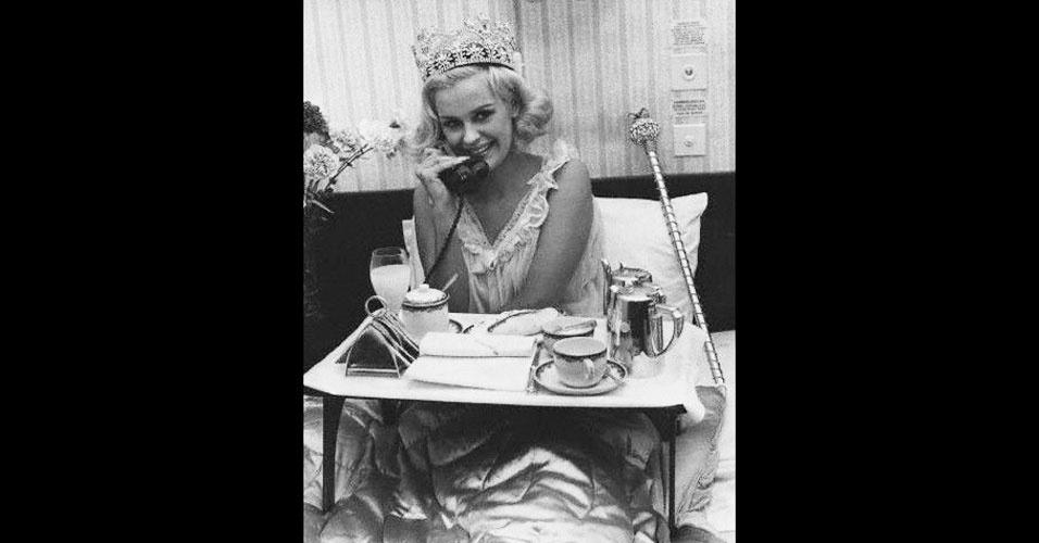 A britânica Lesley Langley venceu o Miss Mundo 1965, realizado em Londres, no Reino Unido