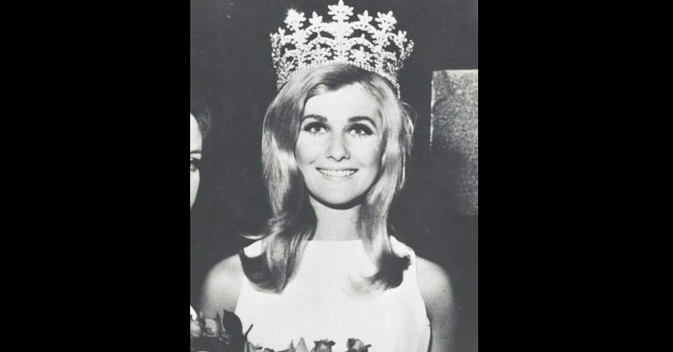 A australiana Penelope Plummer venceu o Miss Mundo 1968, realizado em Londres, no Reino Unido