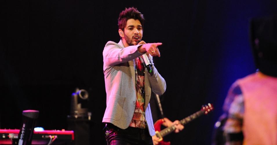 """26.jan.2013 - Gusttavo Lima foi o primeiro de uma lista de cantores e duplas sertanejas a se apresentarem no """"BBB13"""". O cantor fez seu show na festa Saloon"""
